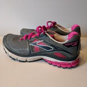 Brooks Athletic Shoes 7 Like New ❤️